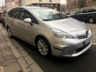 Toyota Prius Lounge 136ch Hybrid