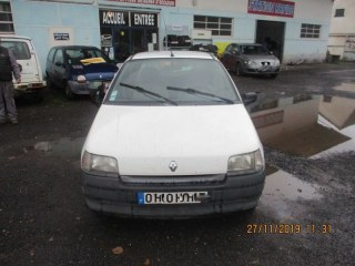 CLIO 1900 DIESEL 64 CV CHIPIE/FIDJI