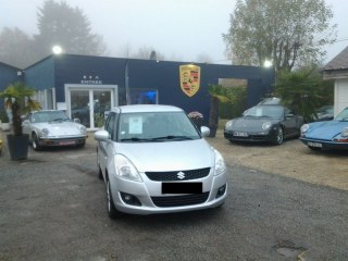 SUZUKI SWIFT GLX 4X4 ESSENCE 5 P