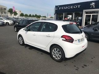 Peugeot 208 ACTIVE GPS 1.6L HDI 75CV BVM5 17350 km