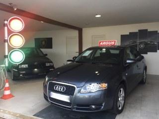 Audi A4 III 2.0 TDI 140 AMBITION 4P 140987 km