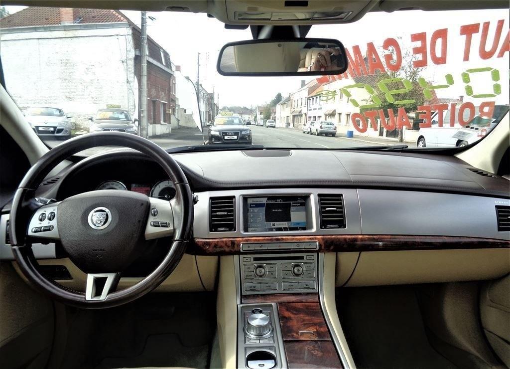 Jaguar XF 2.7 L D V6 207 CH LUXE PRENIUM