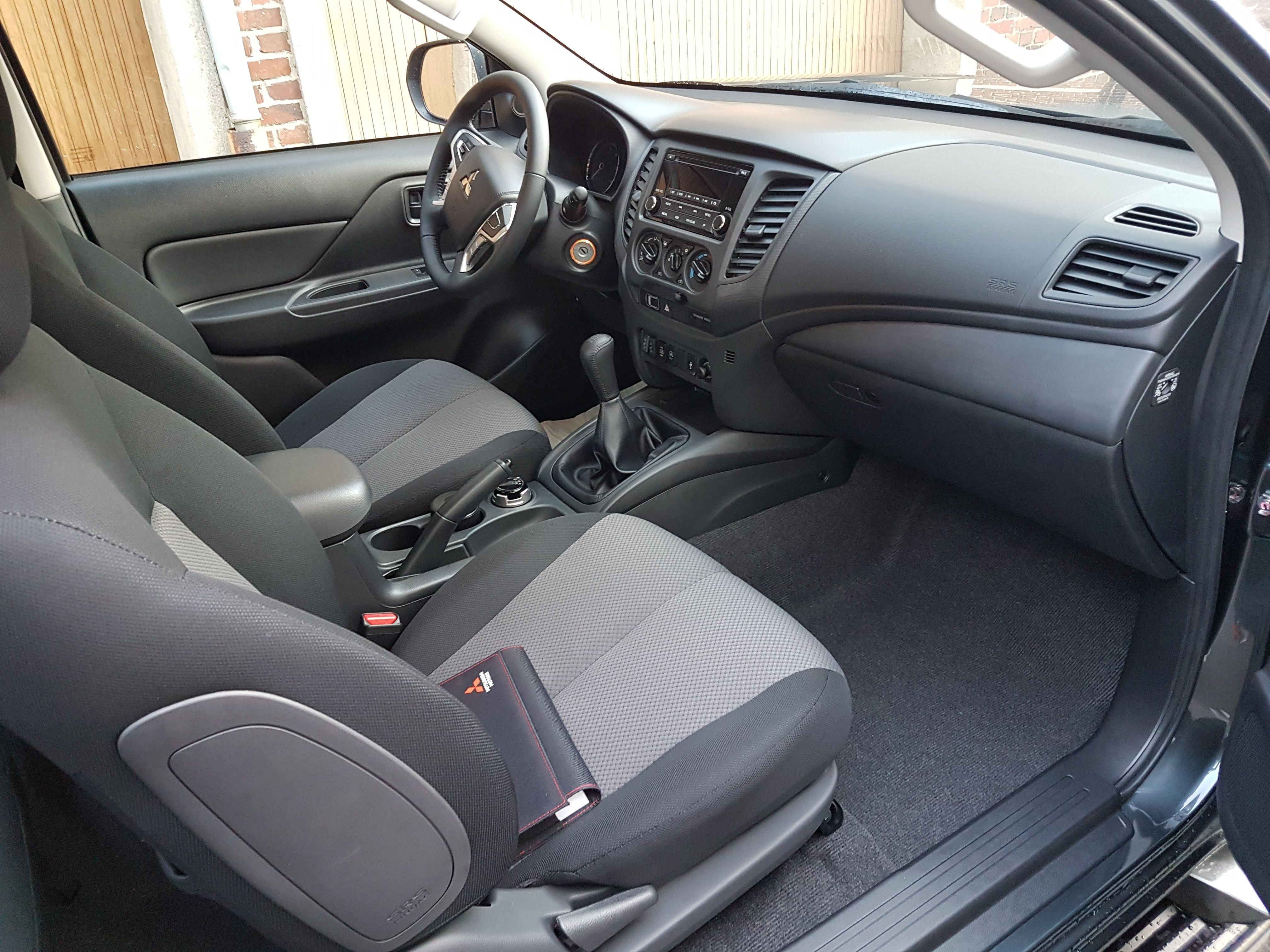 Mandataire auto Beauvais Haut De France Mitsubishi L200 Invite Club Cab 2.2 Did 150cv 3