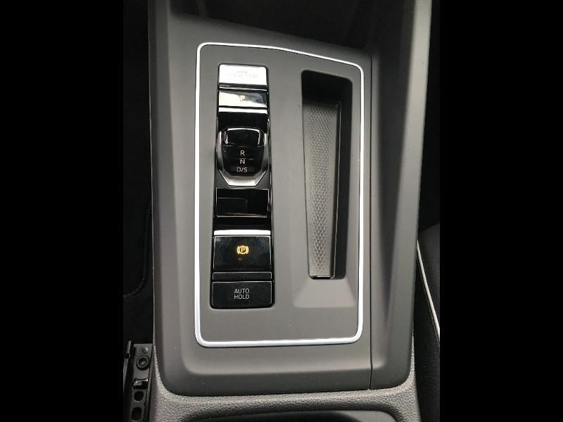 Volkswagen Golf 2.0 TDI SCR 150ch R-Line 1st DSG7