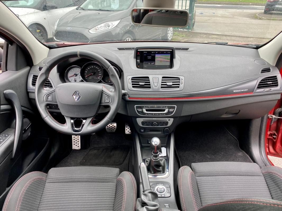 Renault Mégane Coupé RS 275 CV MONITOR CHASSIS CUP