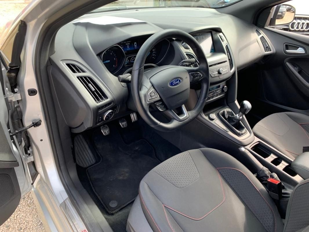 Ford Focus 1.5 TDCI 120 ST LINE