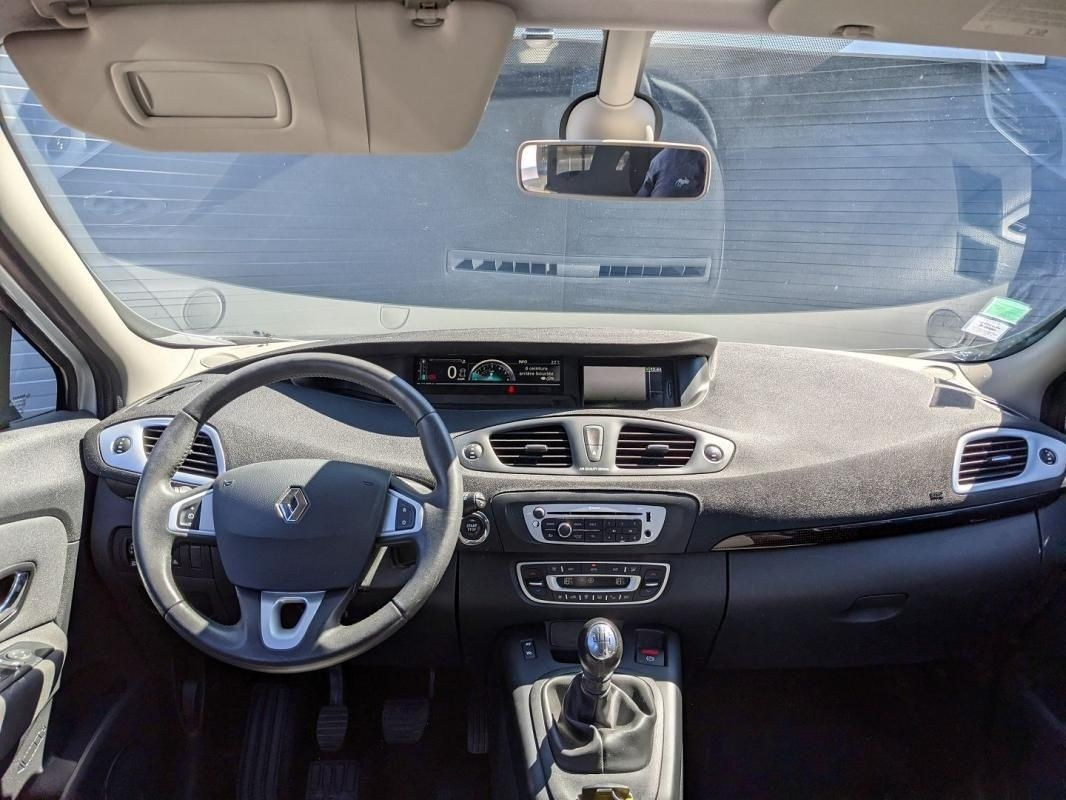 Renault Scénic III 1.5 DCI 110CH FAP TOMTOM LIVE