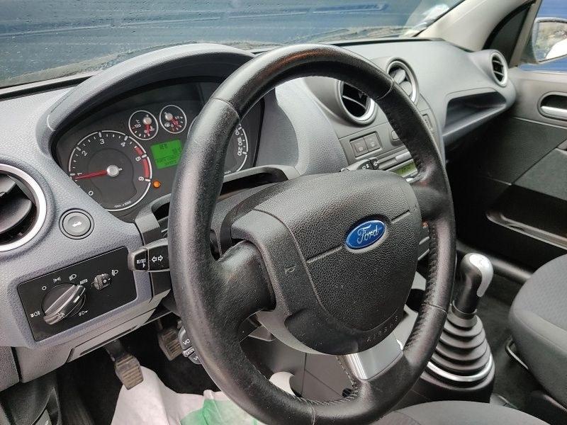 Ford Fiesta 1.4 TDCI 68CH GHIA 5P