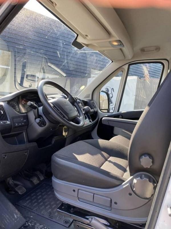 Peugeot Boxer 3 2.0 BLUE HDI 4 portes premium