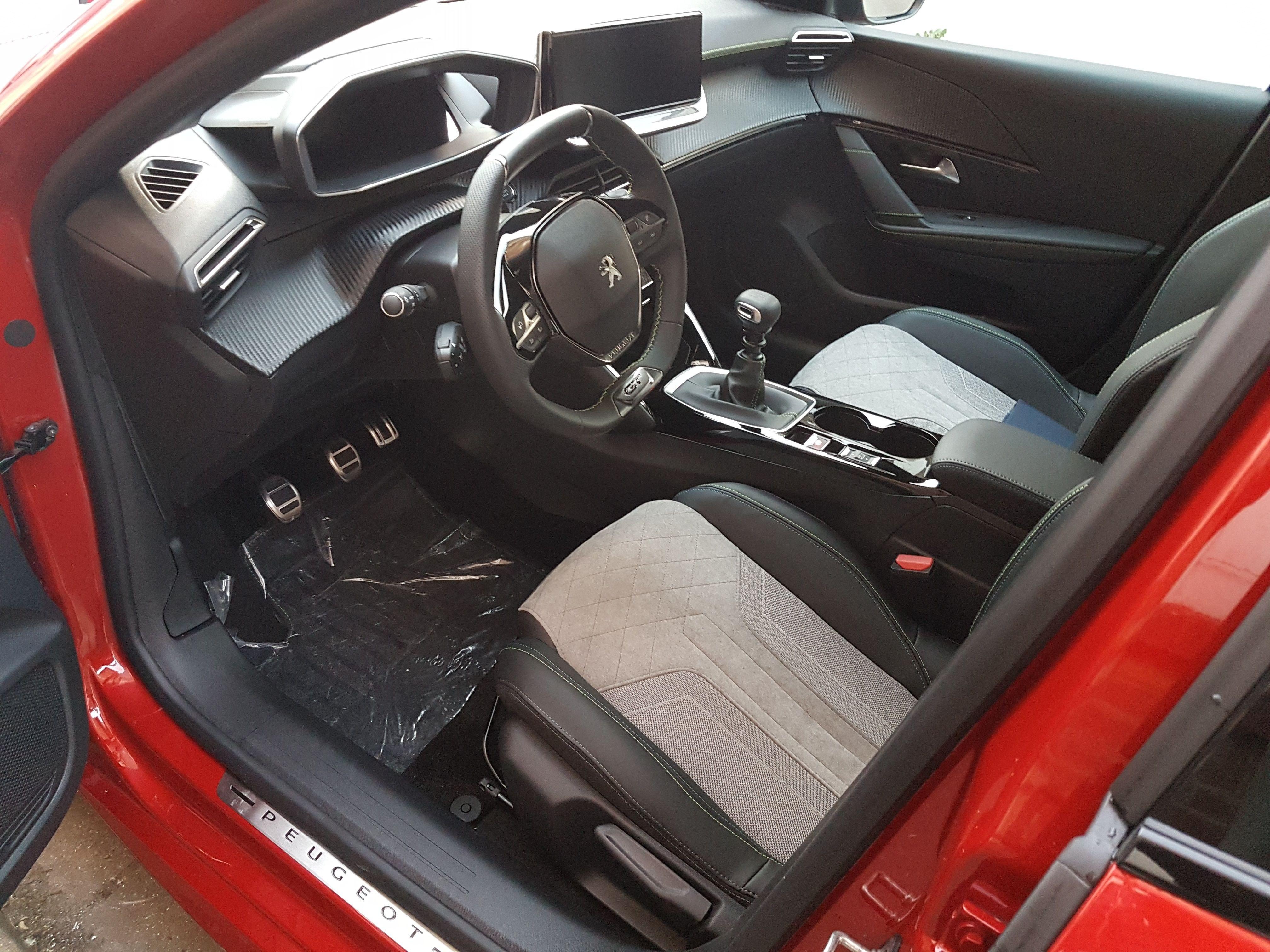 Mandataire auto Beauvais Haut De France Peugeot 208 Gt Pack Puretech Hdi