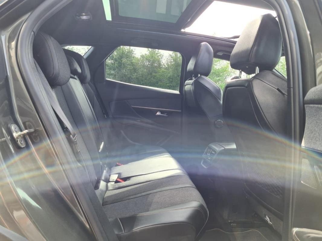 Peugeot 3008 1.5 BLUEHDI 130 CV GPS TOIT OUVRANT