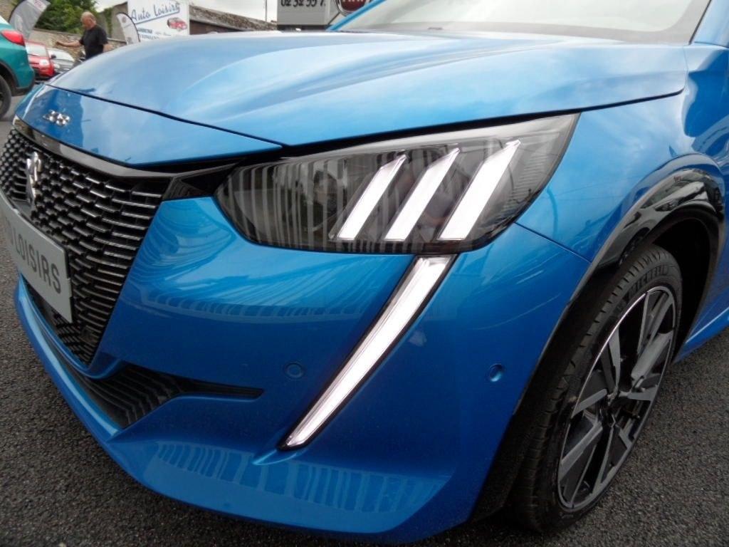 Peugeot 208 12 puretech 100 EAT8 GT