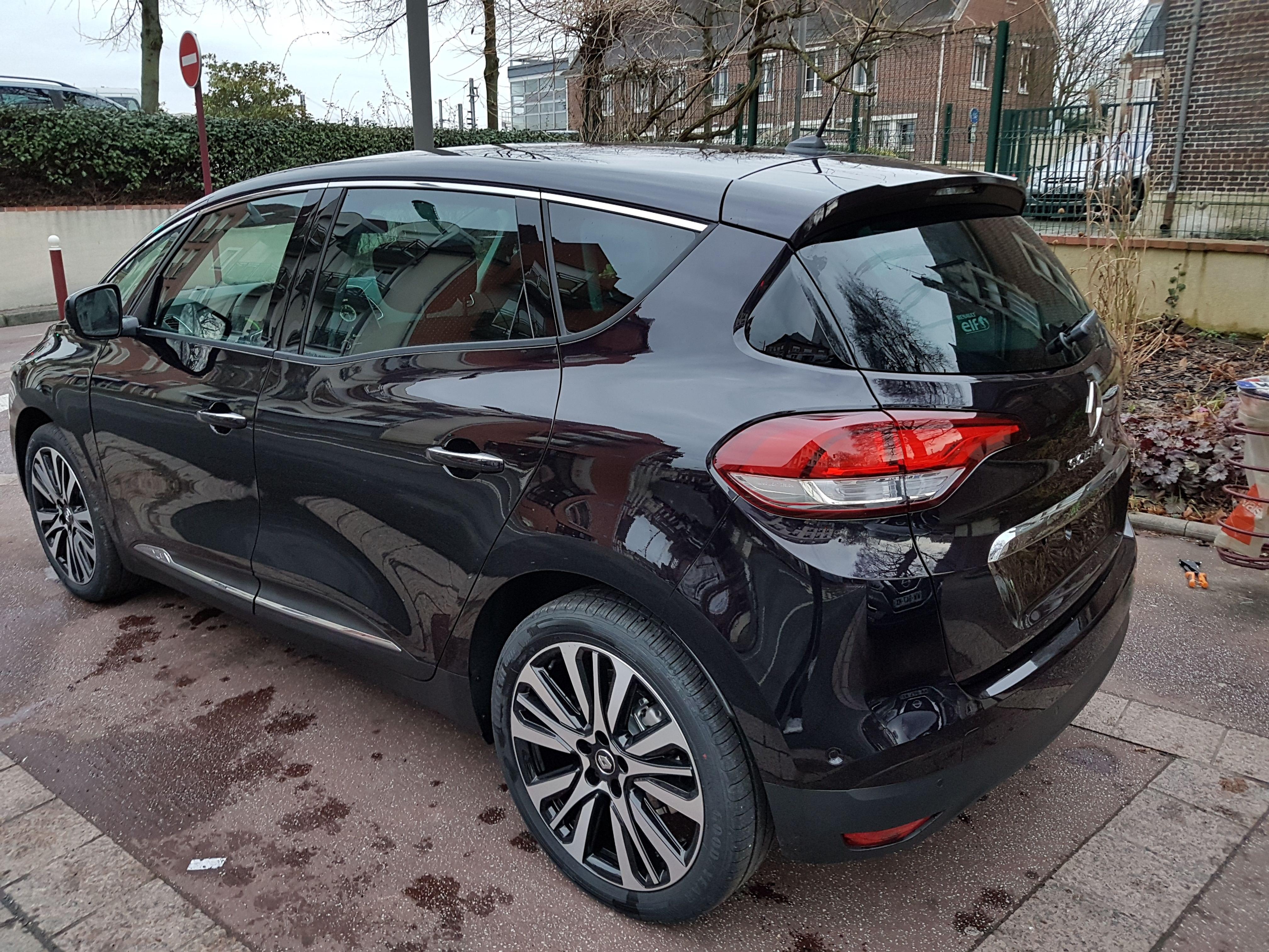 Mandataire auto Beauvais Haut De France Picardie Renault Scenic Initiale Paris 1.7 Bluedci 150cv Edc