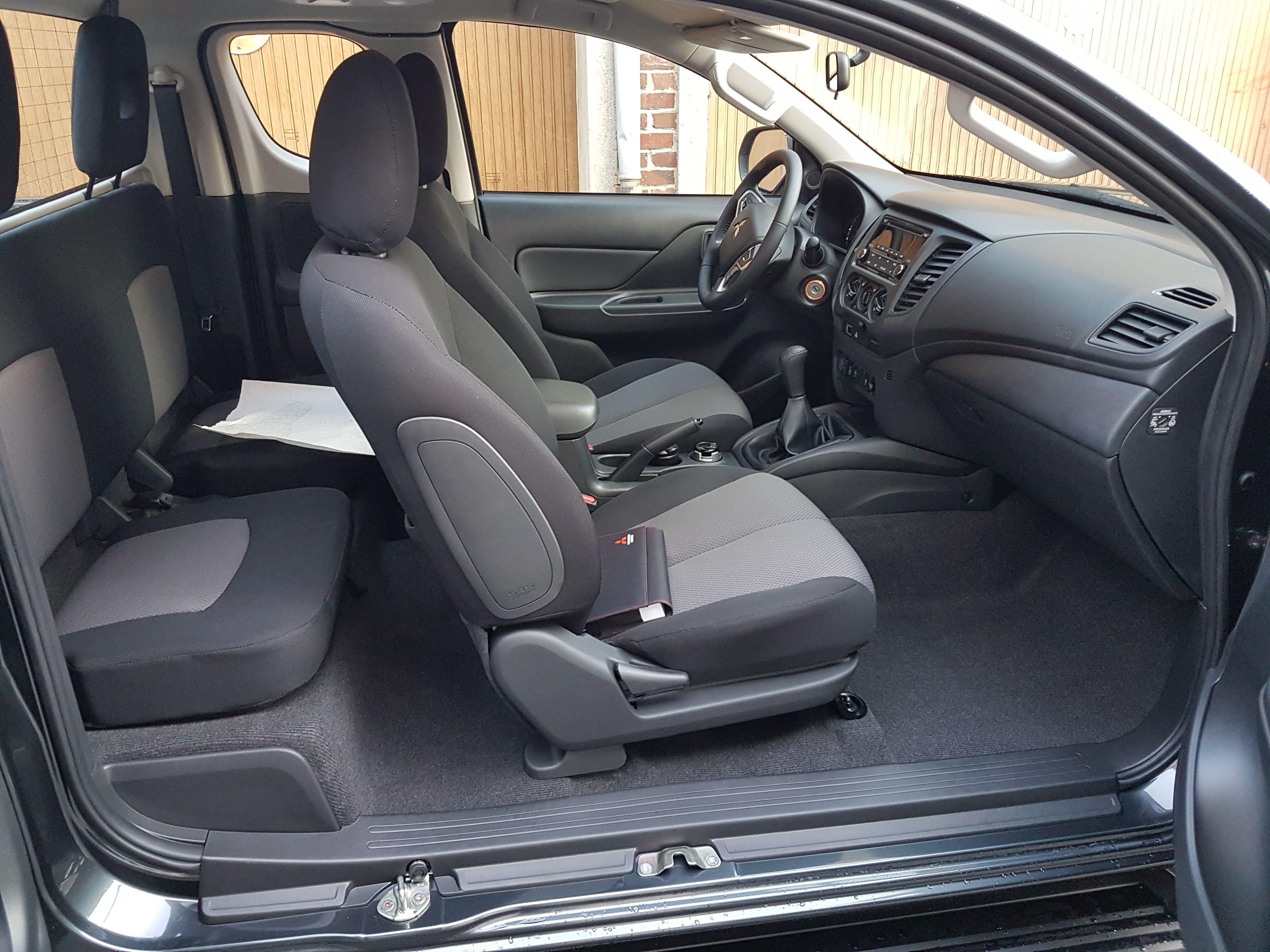 Mandataire auto Beauvais Haut De France Mitsubishi L200 Invite Club Cab 2.2 Did 150cv 4
