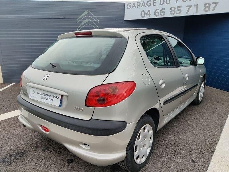 Peugeot 206 1.4 URBAN 5P
