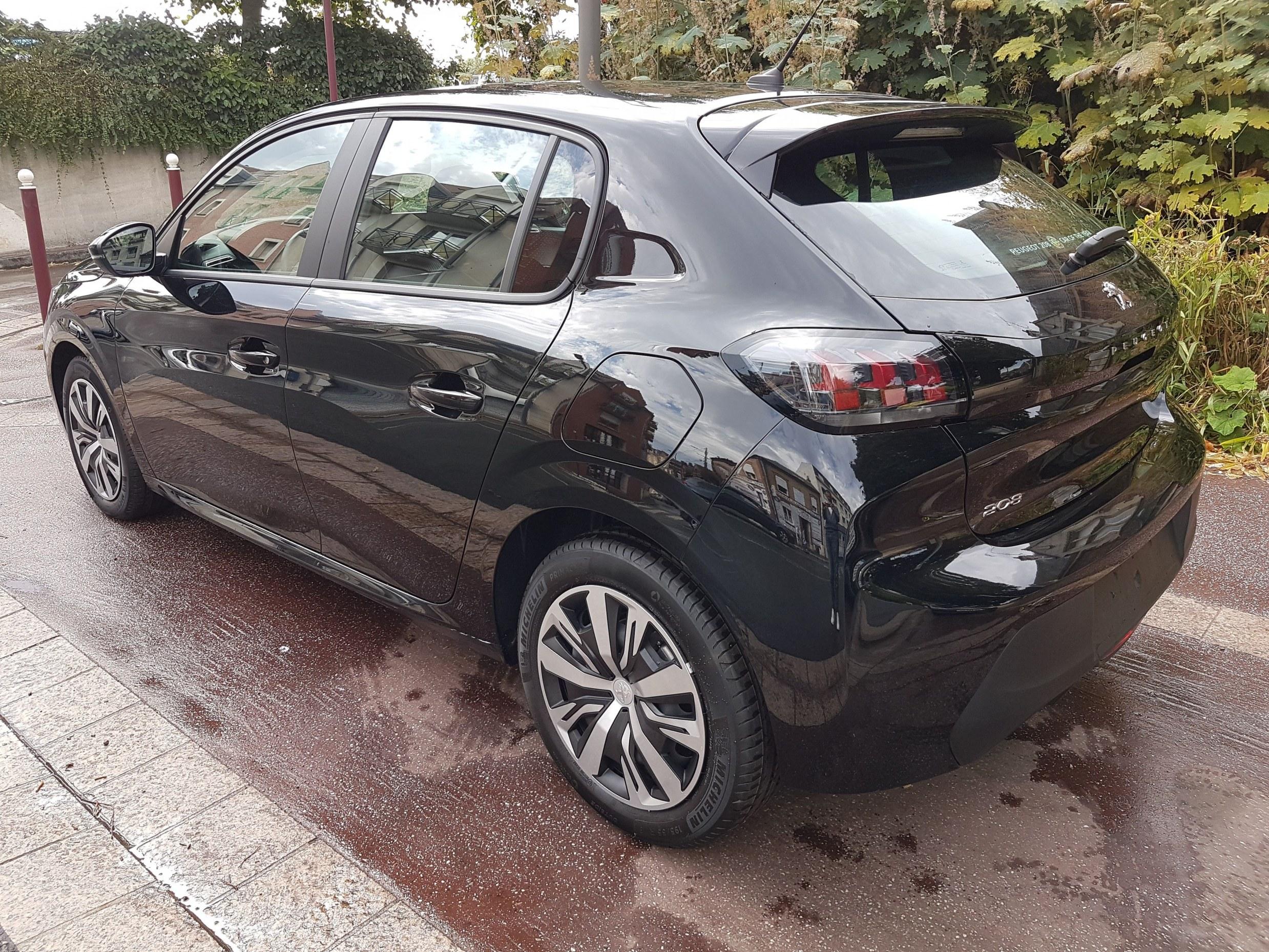 Mandataire auto Beauvais Haut De France Peugeot 208 Active 1.2 Purteceh 100cv
