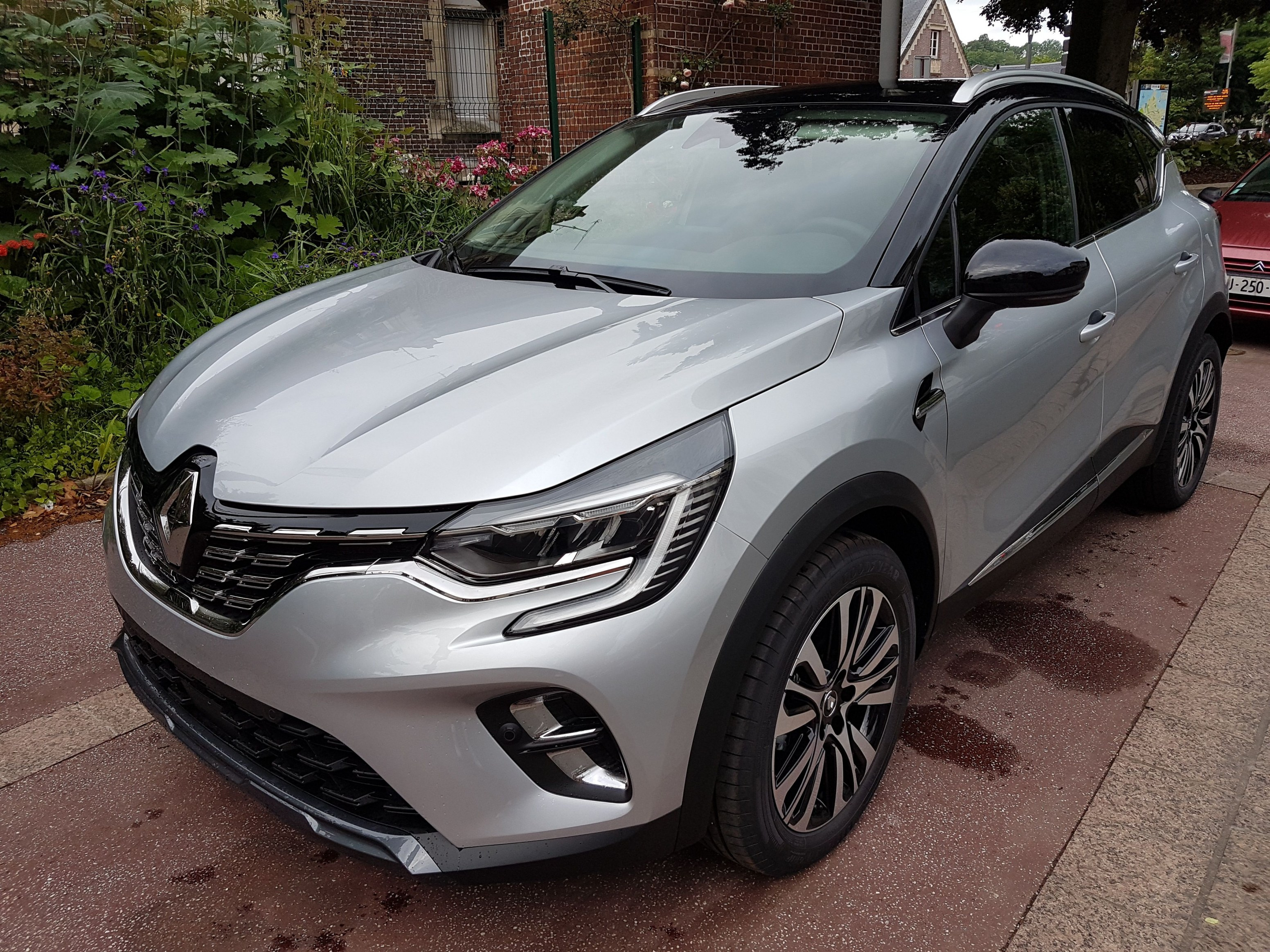 Mandataire auto Haut De France  Renault Captur Initiale Paris Tce Dci Edc (2)