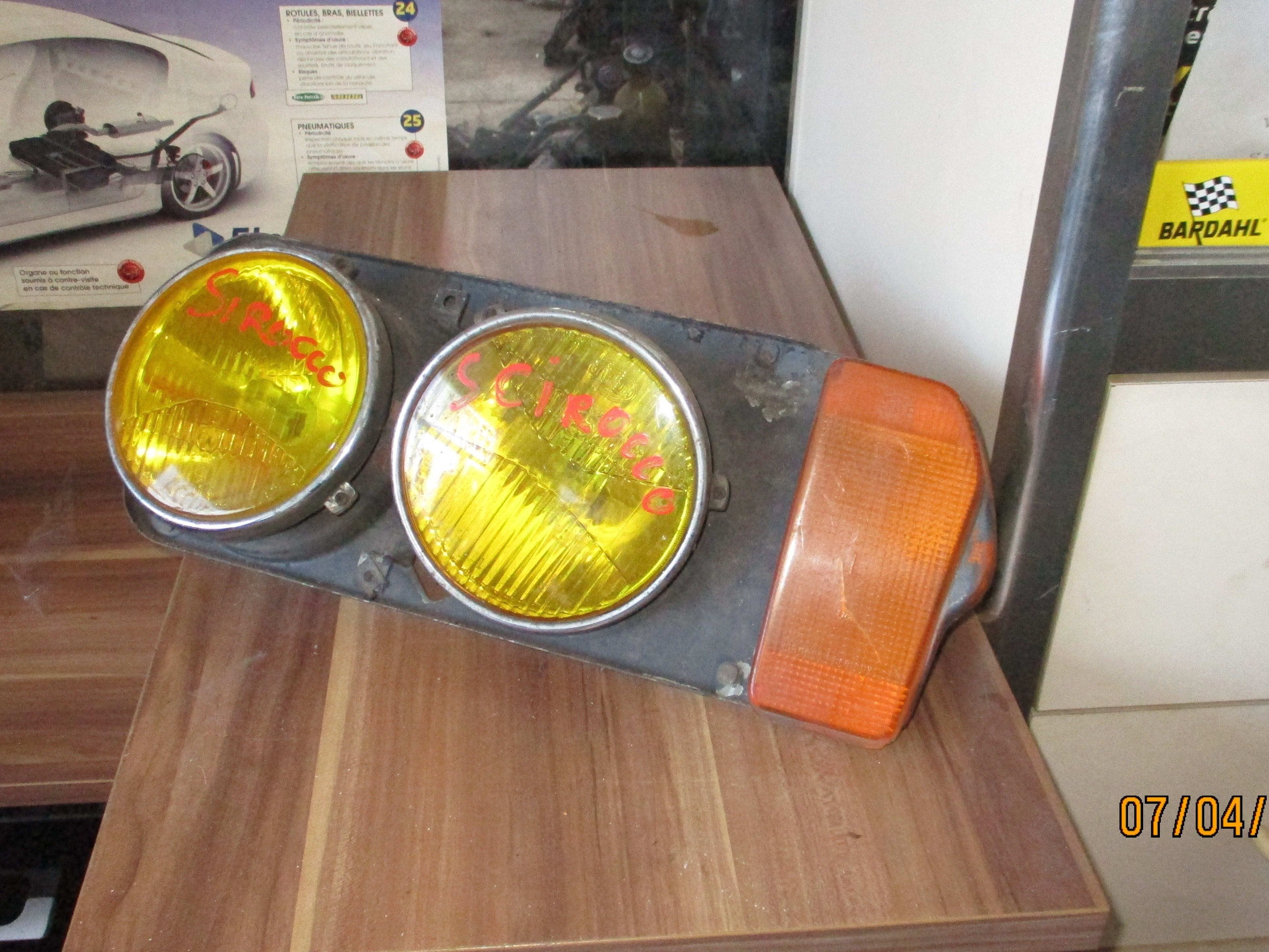VW SIROCCO ELEMENT DOUBLE PHARE + CLIGNOTANT COTE GAUCHE