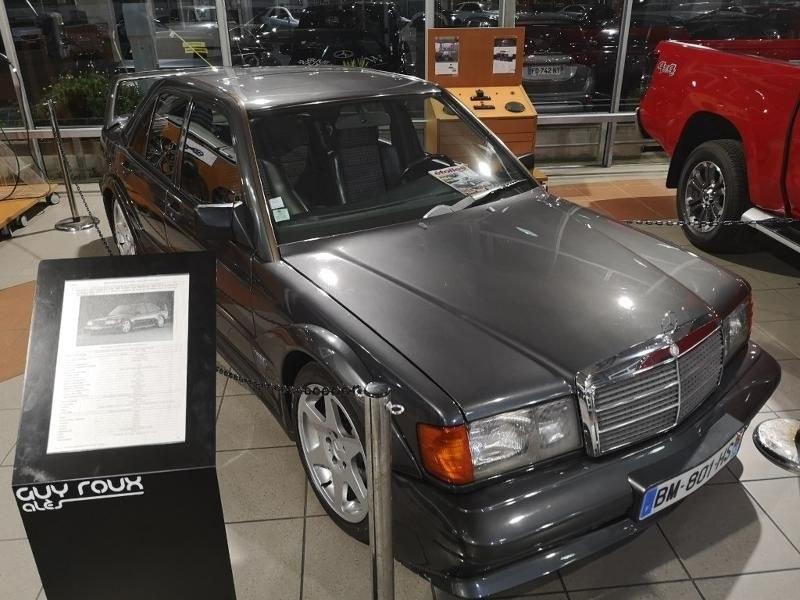 Mercedes 190 E 2.5 16S EVOLUTION 2