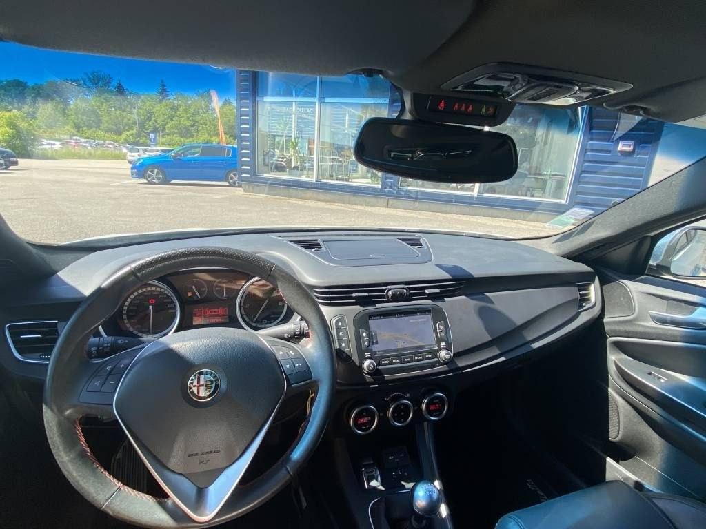 Alfa Romeo Giulietta 2 0 JTD MULTIJET 5 portes