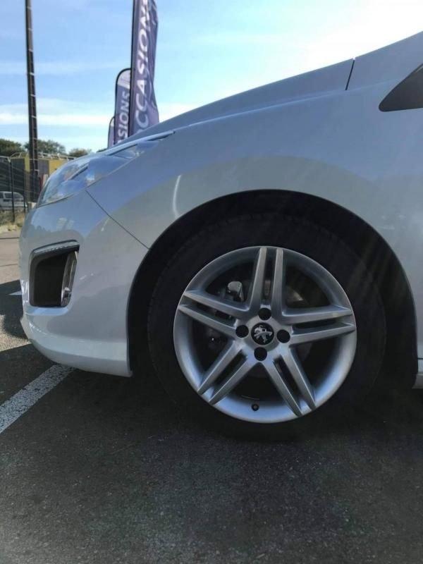 Peugeot 308 CC 1.6L E-HDI FAP SPORT
