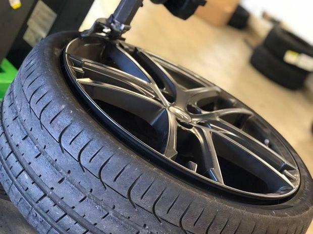 La vente de pneus et le montage au garage