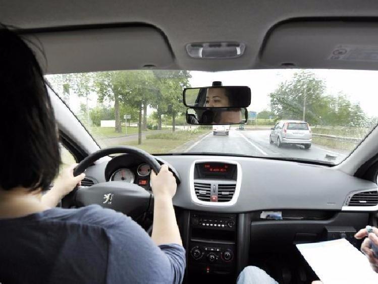 PERMIS B Forfait Code + 25 heures de conduite