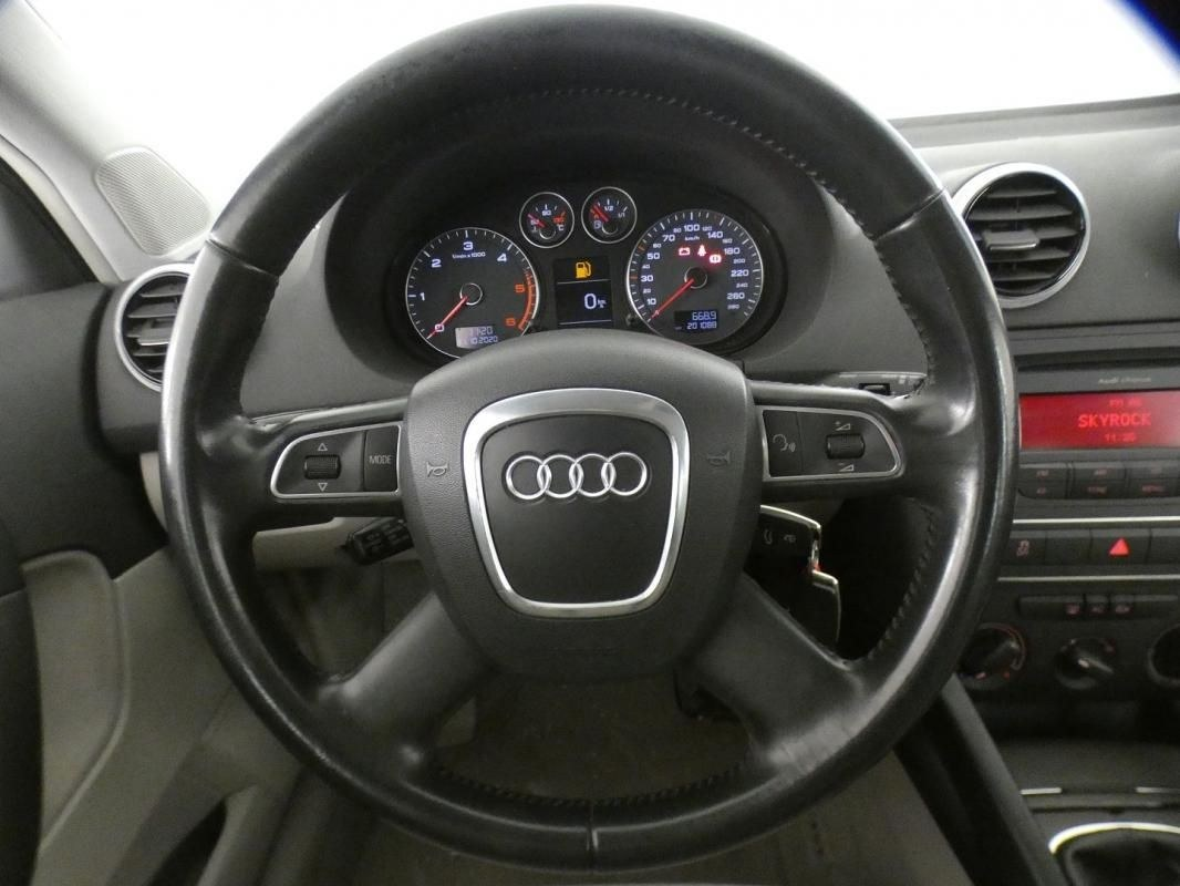 Audi A3 2.0 TDI 140CH DPF START/STOP BUSINESS LINE 3P