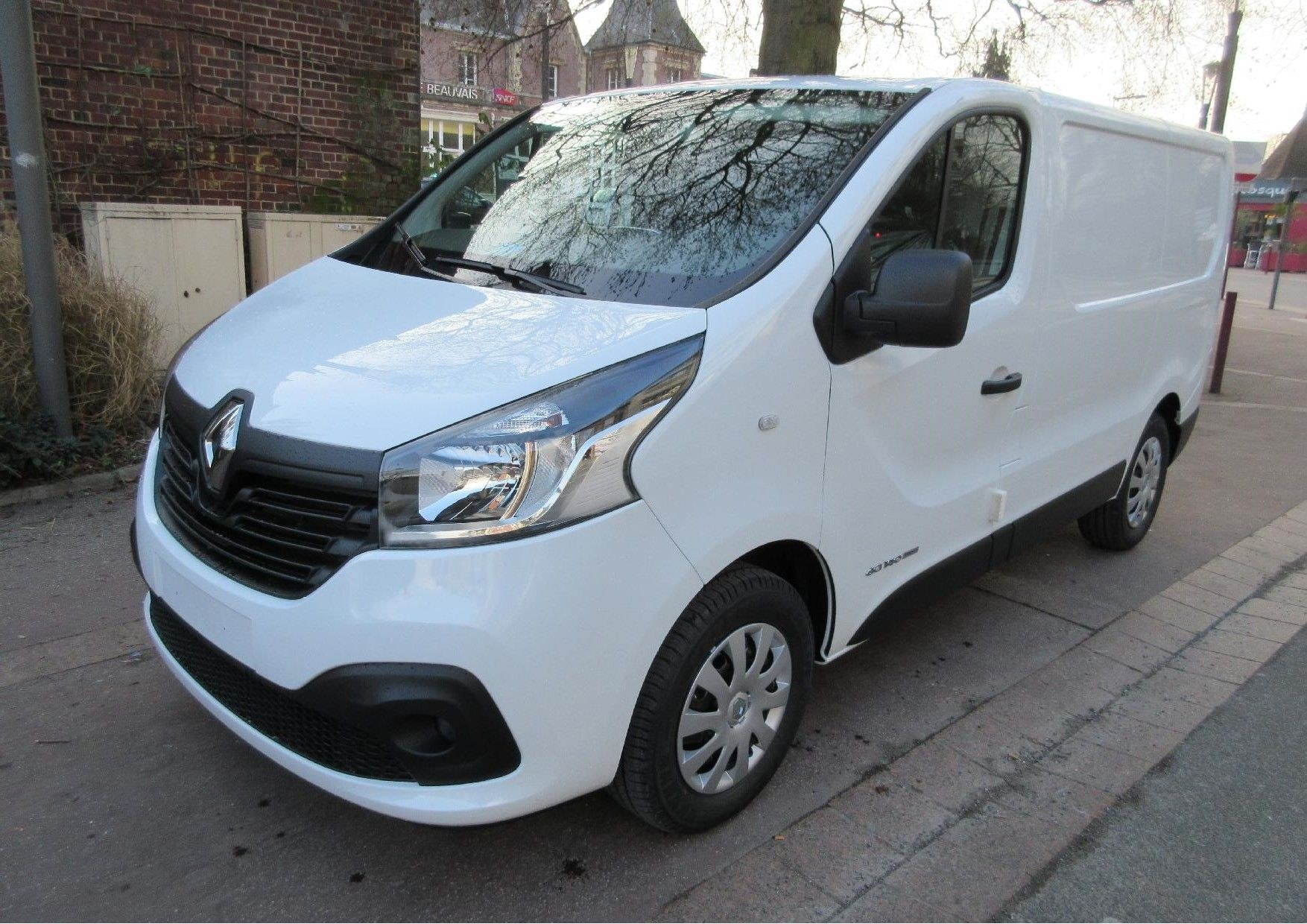 Mandataire auto Beauvais Picardie Renault Trafic Confort Grand Confort Dci 4