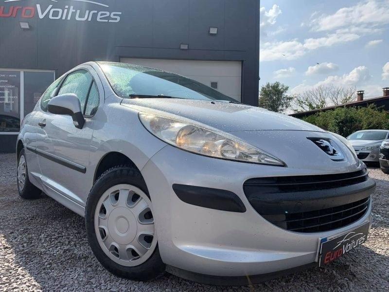 Peugeot 207 1.4 HDI 75CV PREMIUM
