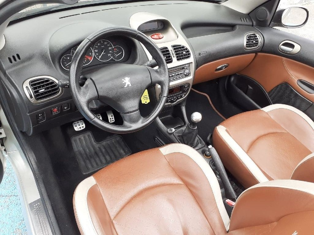 Peugeot 206 CC 2.0 i 16V Roland Garros