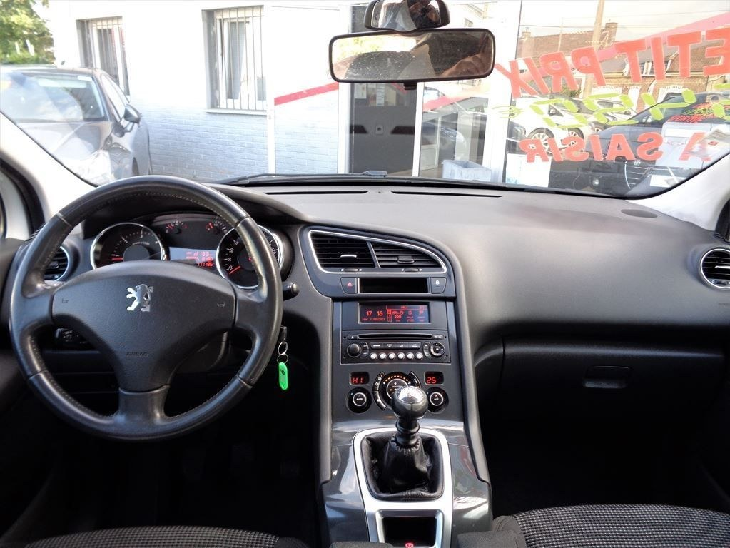 Peugeot 5008 1.6 HDI 112 CV PREMIUM