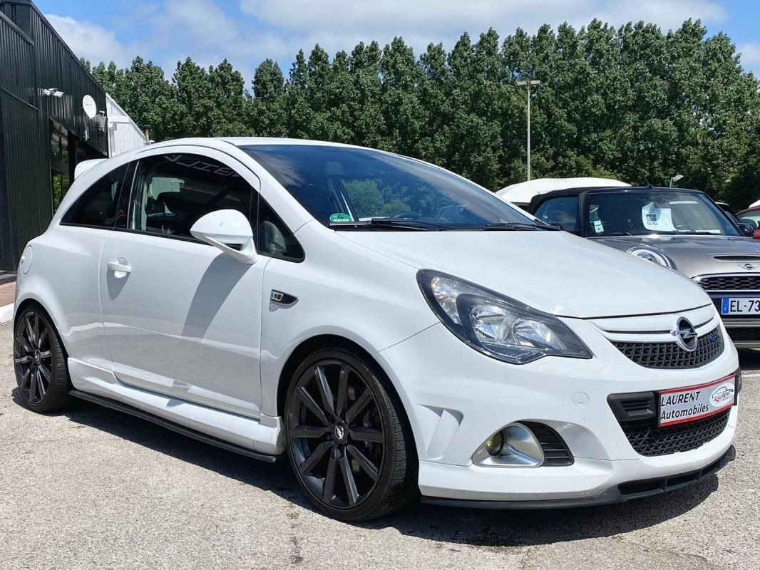 Opel Corsa OPC NURBURGRING 1.6 TURBO 210