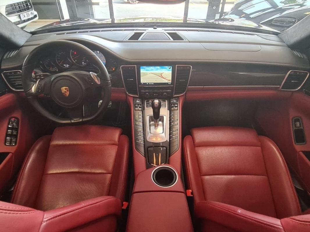 Porsche Panamera TURBO 520 CV PDK