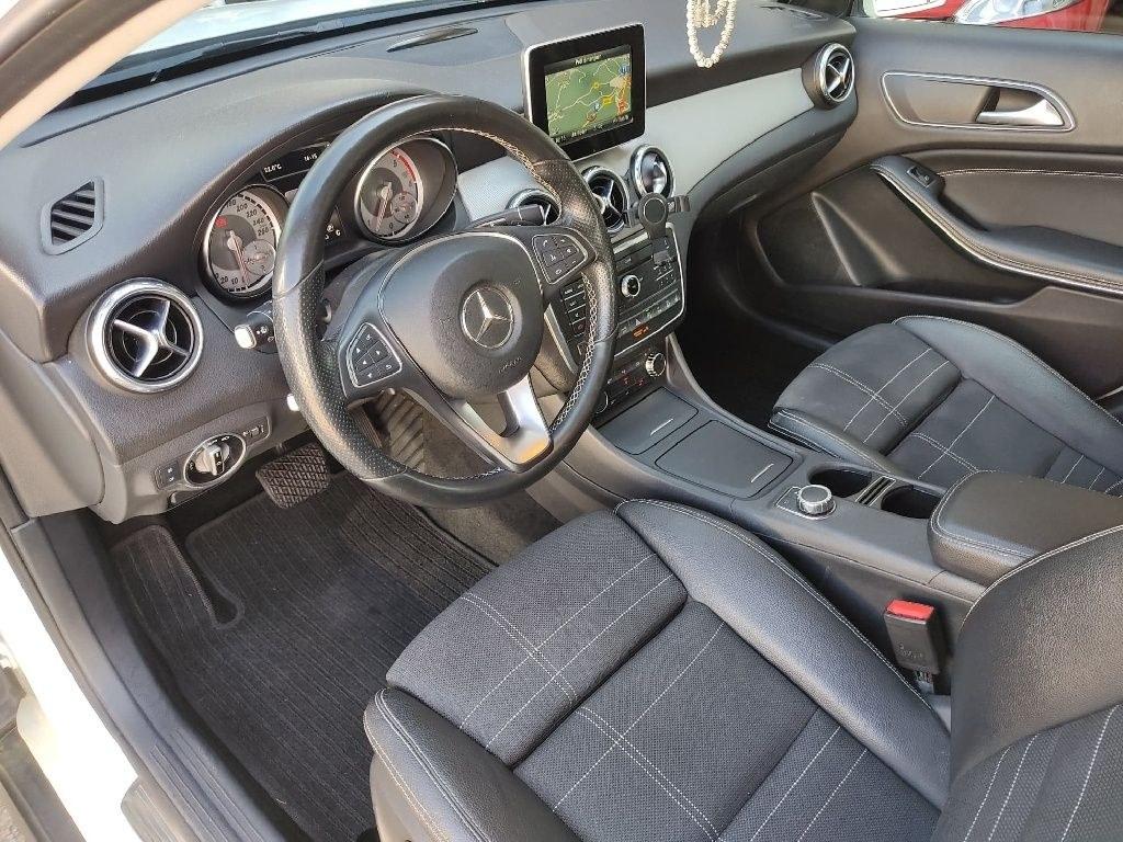 Mercedes Classe GLA 220 d 4-Matic Sensation 7-G DCT A
