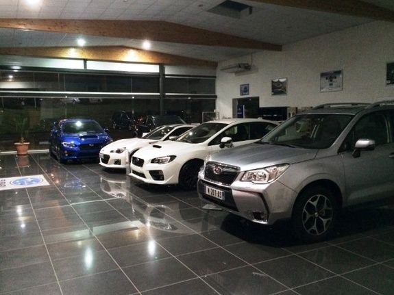 Showroom Subaru Roanne 42