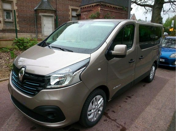 mandataire auto beauvais trafic passenger luxe intens