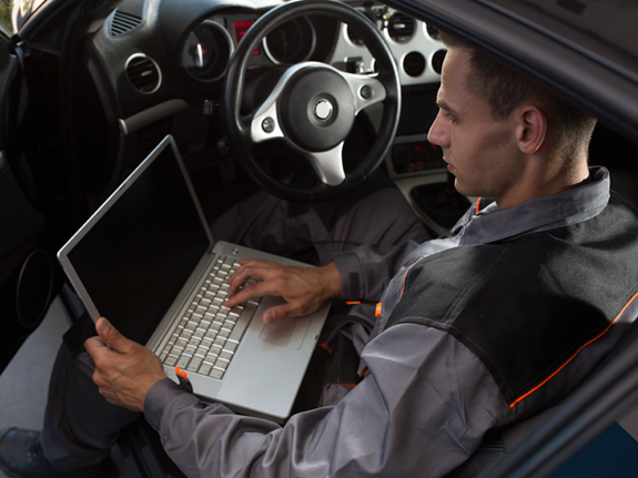 L'entretien et la réparation de voitures