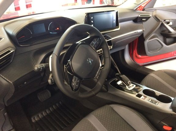 mandataire-auto-Havre-Paris-voiture-vente-autossansfrontieres-Peugeot-2008-essence-diesel-electrique-2021